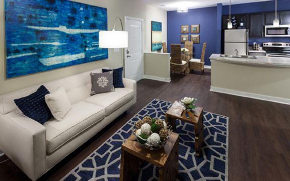Hampton Roads Crossing | Apartments